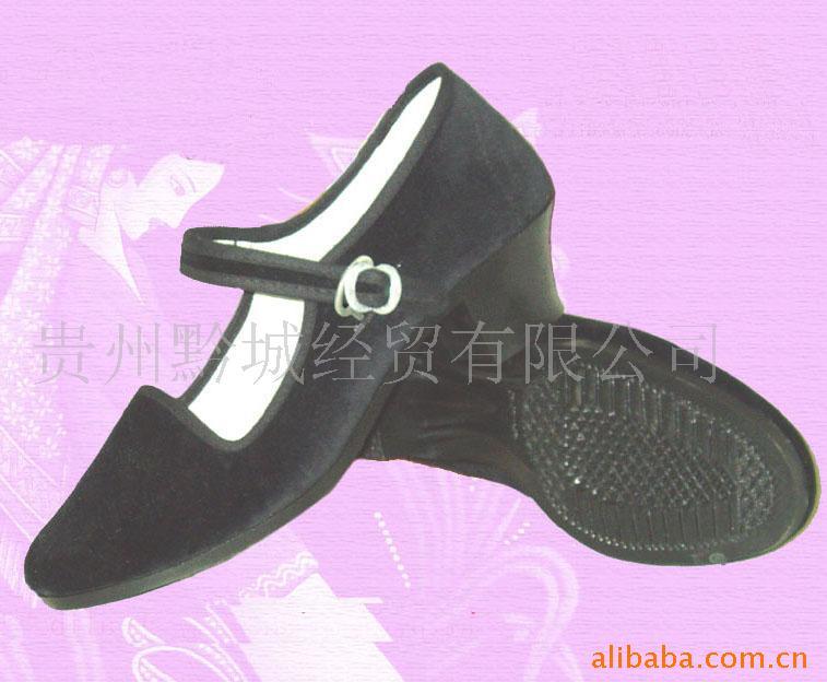 供应9502中跟迎宾女布鞋-贵州黔城经贸有限公司